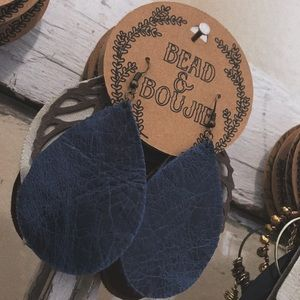 ✯ Navy Blue Leaf Leather Dangle Earrings ✯